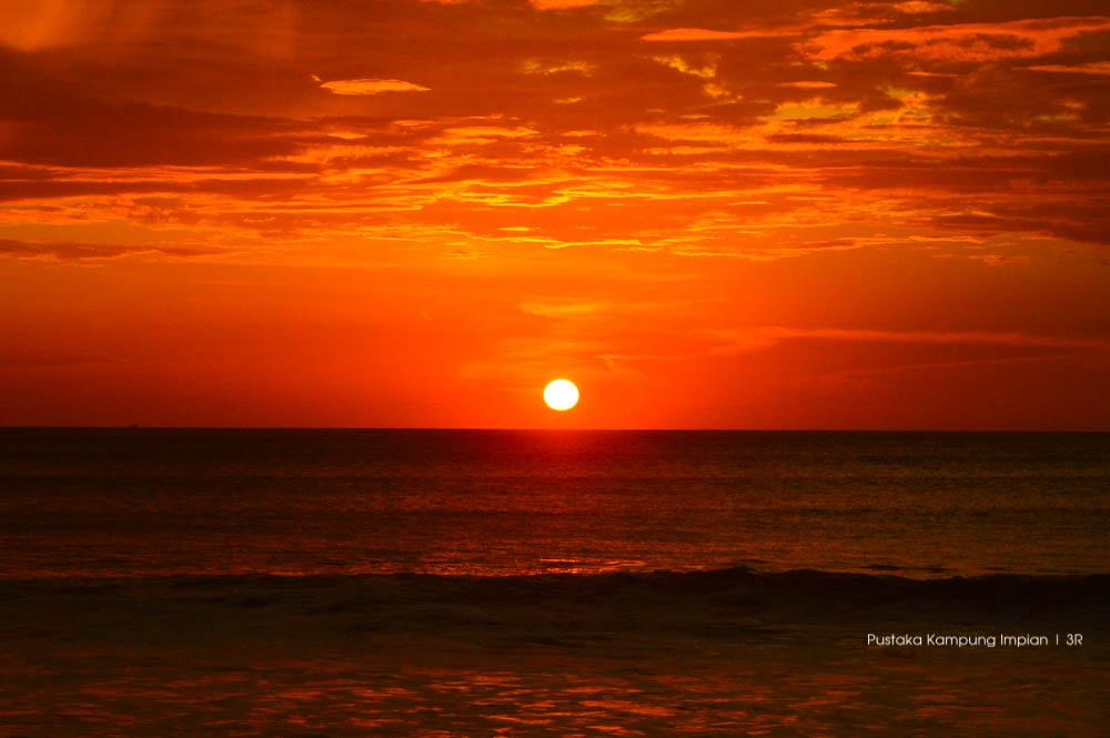 Keindahan matahari terbenam di Pulo Aceh