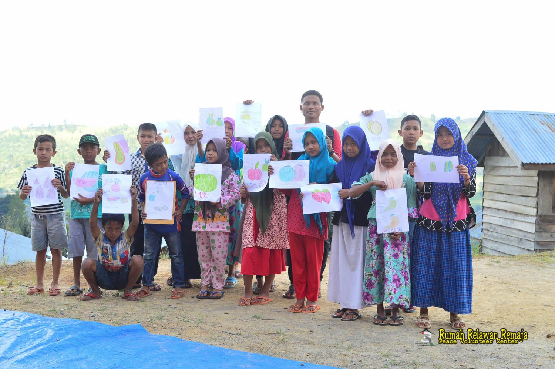 Anak- kelas menulis desa Bah