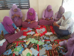 Belajar Membuat Pembalut Kain Di SMK Darul Kamal Aceh Besar