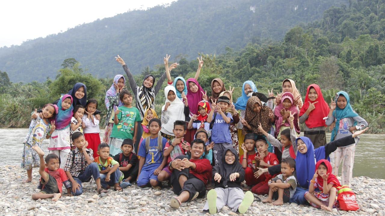 Pengalaman Belajar Bersama Para Remaja di Desa Baling Karang