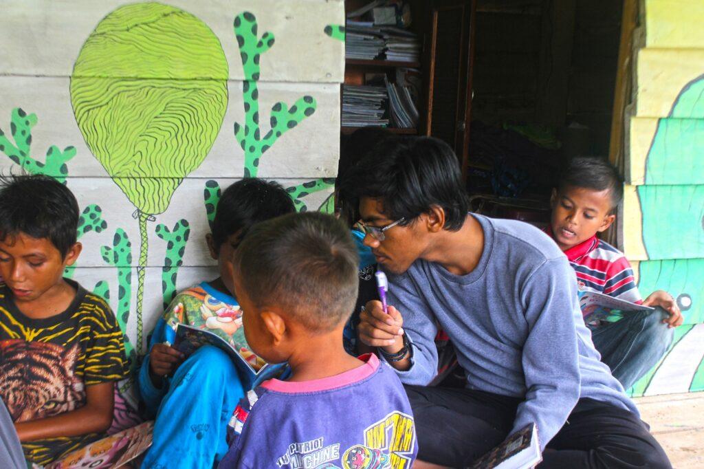 Menjadi Relawan di Desa Lapeng